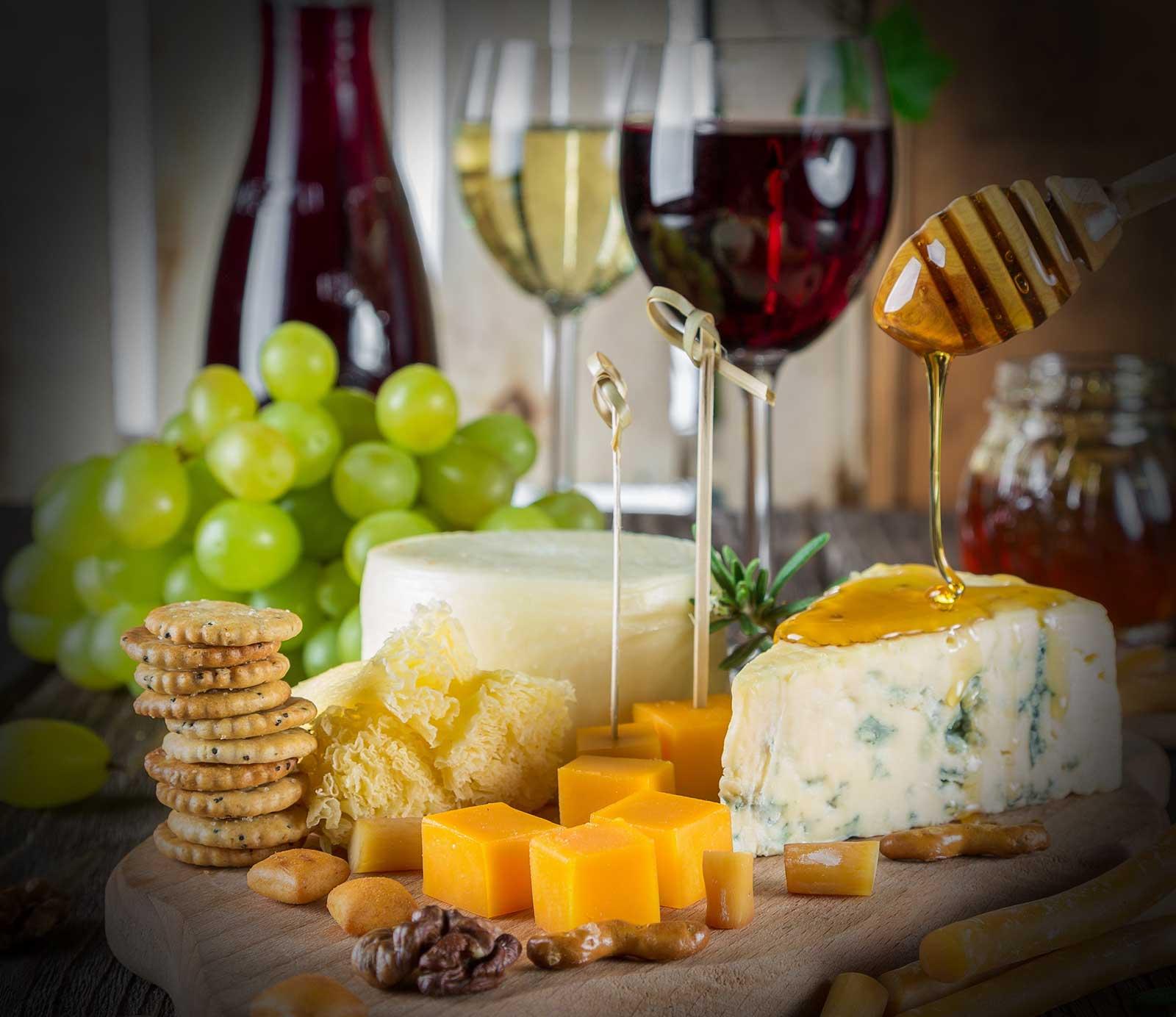 ost og rødvin